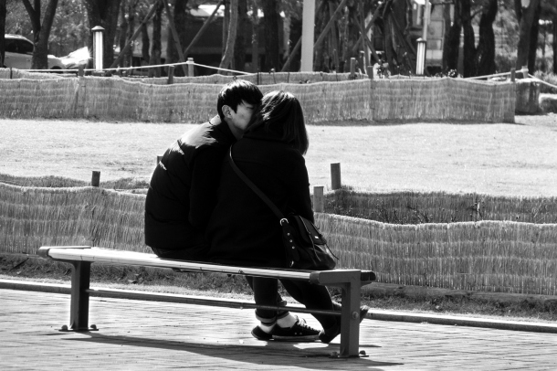 Kissing Couple_BWFive_6
